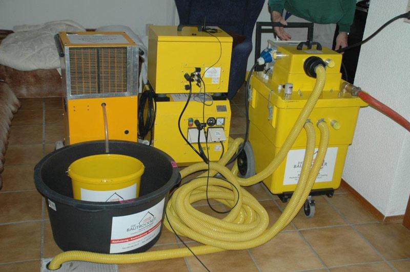 Bautrocknungsgeräte angeschlossen